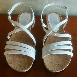 Kim Rogers white strappy sandals shoes size 7.5